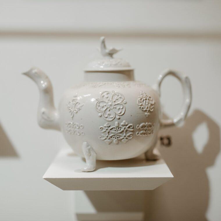 Shutze white teapot