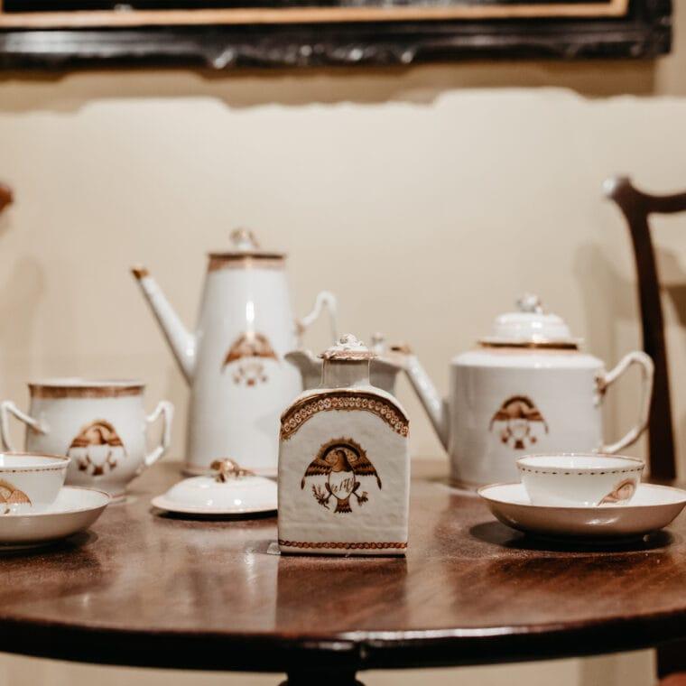 Shutze white and gold tea set